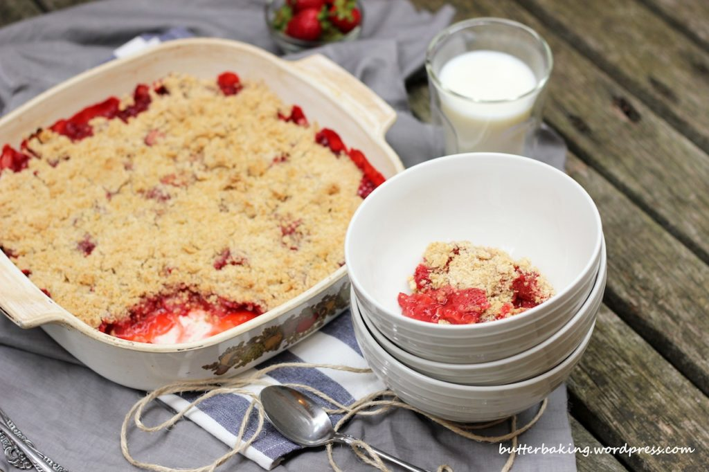 Strawberry Crumble | Butter Baking