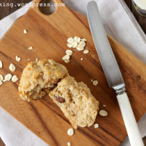 healthy apple oat muffin