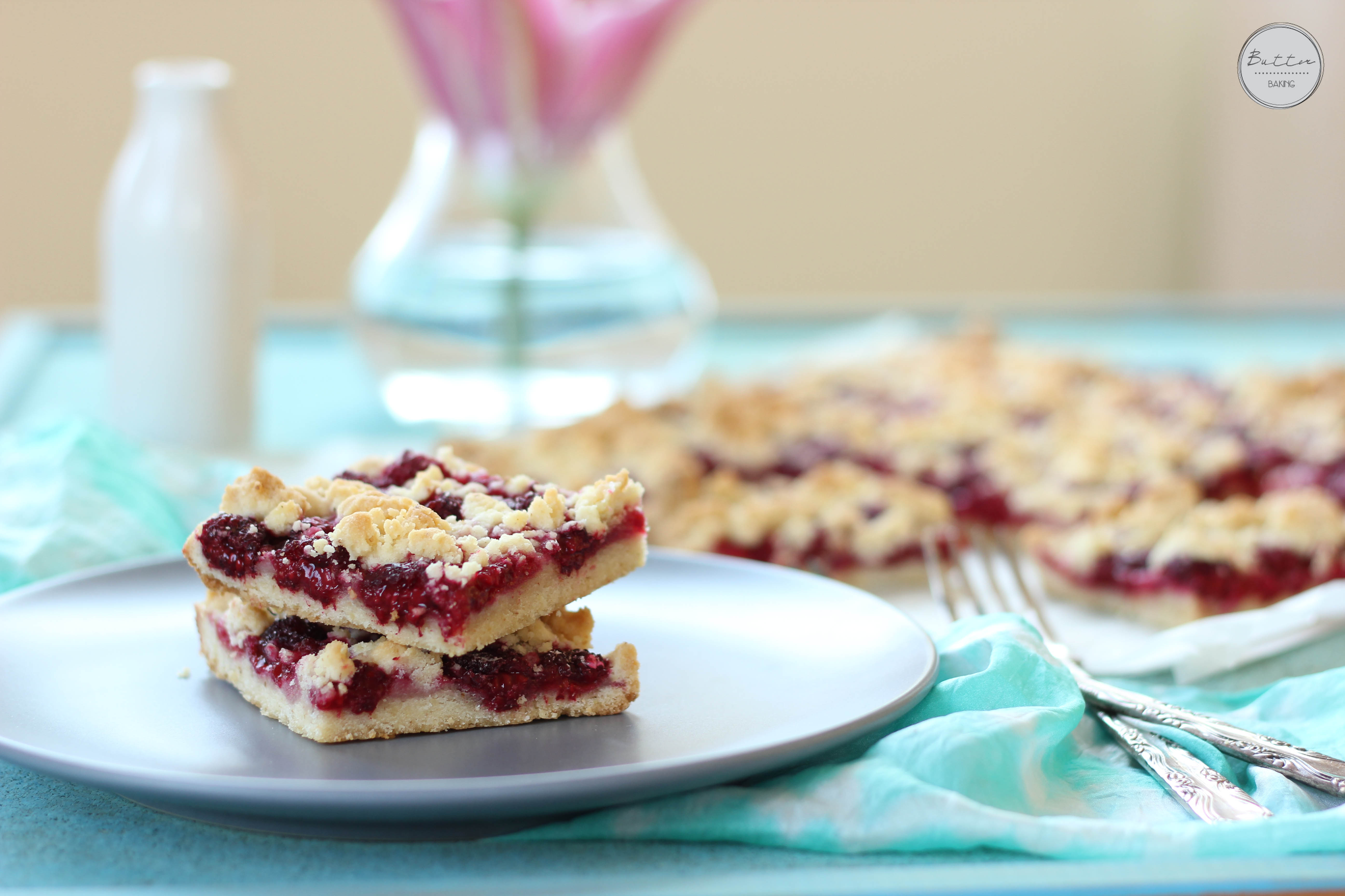 Raspberry walnut crumble bars | Butter Baking