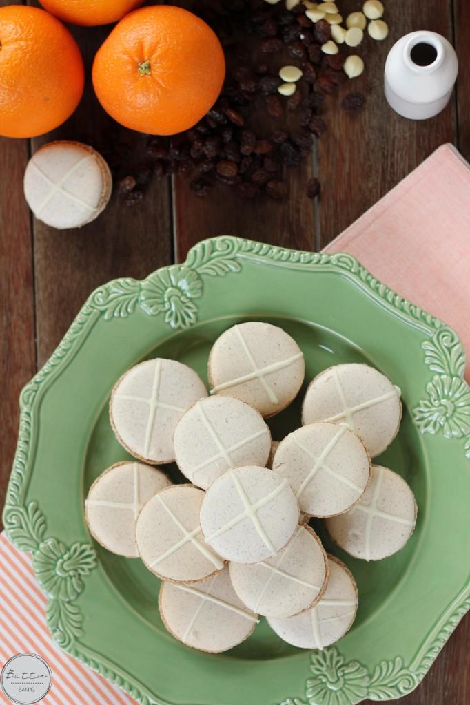 Hot cross bun macarons | Butter Baking