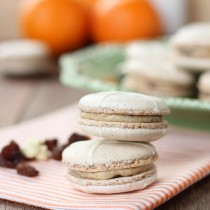 Hot cross bun macarons | Butter Baking