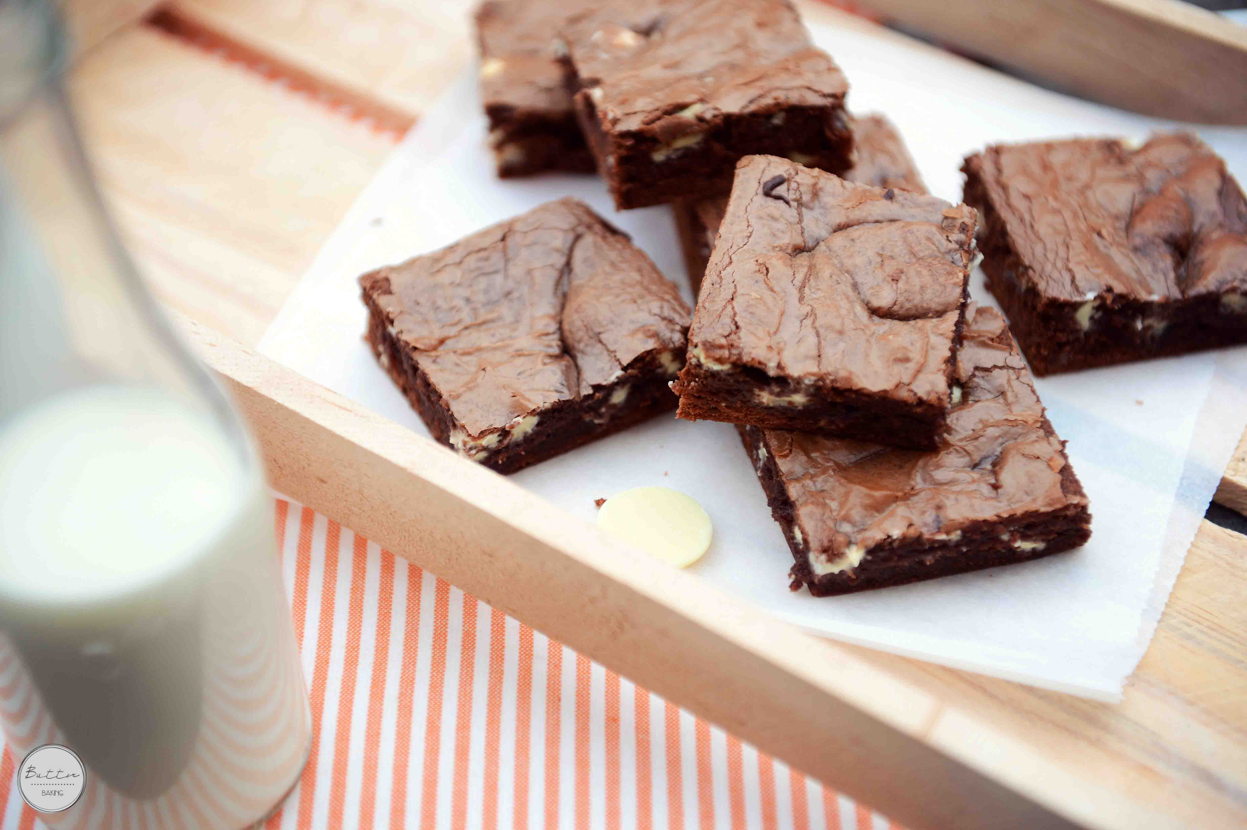 White Chocolate Chip Easy Nutella Brownies [with a Video] | Butter ...