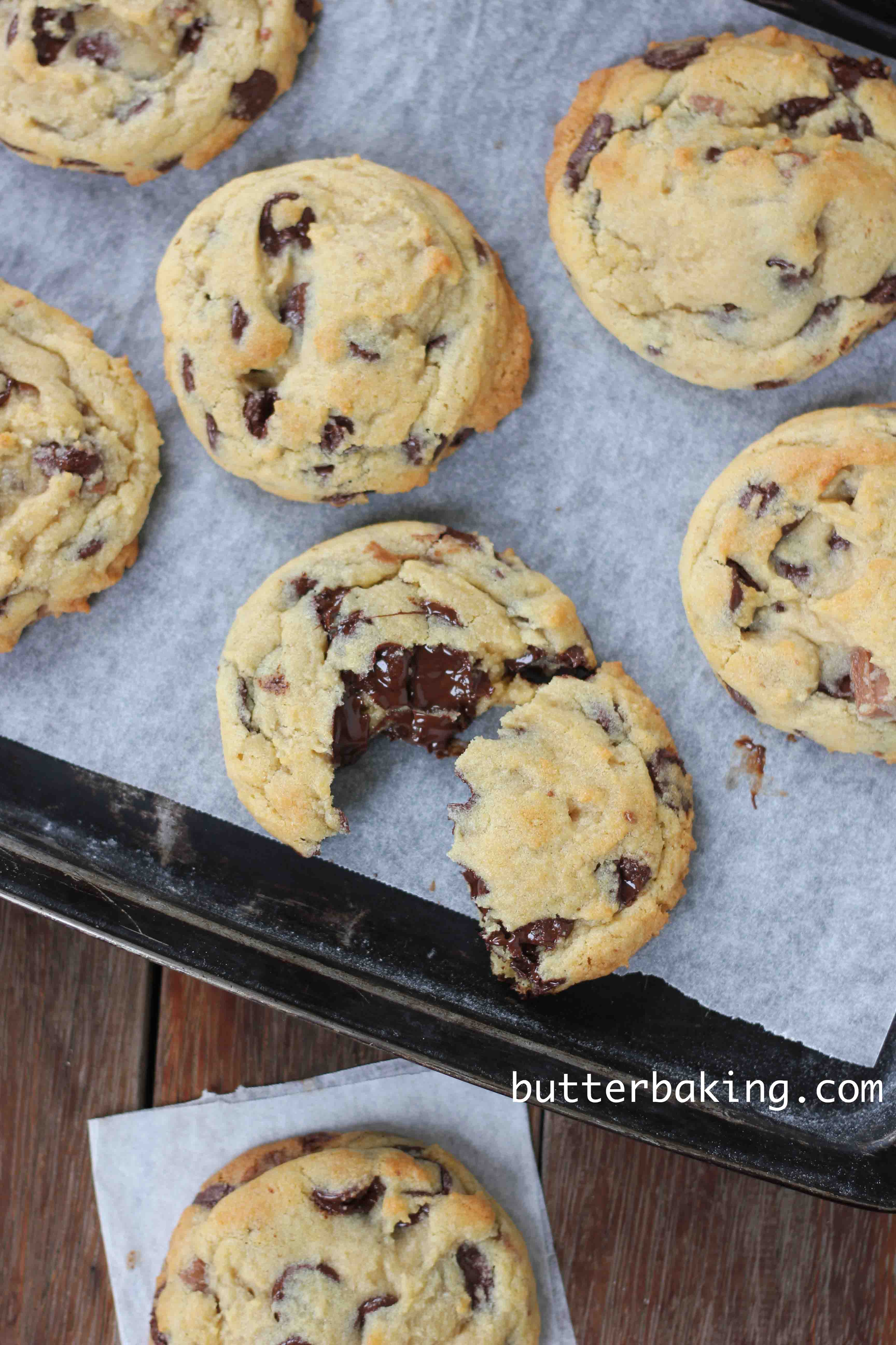 Delicious chewy chocolate chip cookies recipe - Food next recipes