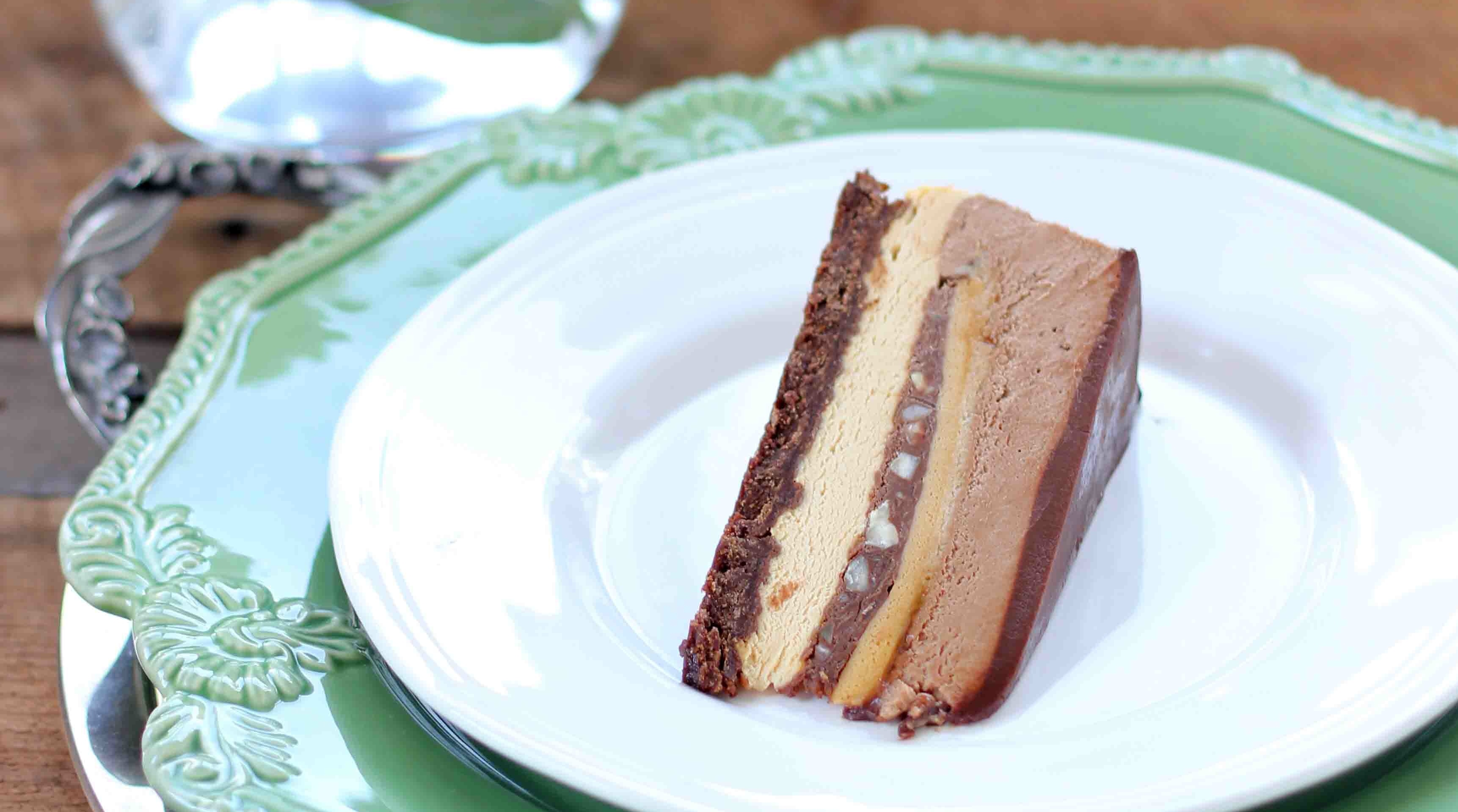 chocolate caramel gateaux