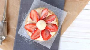 strawberry and cream tarts