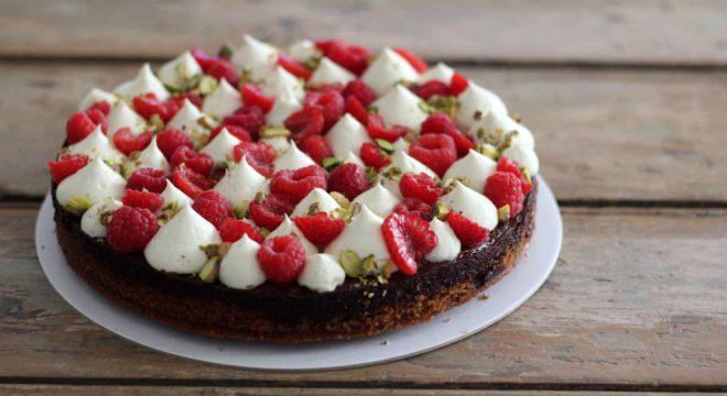 Chocolate persian love cake
